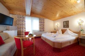 Jeden z pokojů v hotelu Das Neuhaus, Saalbach
