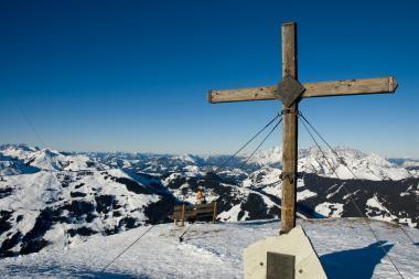 Vrcholek hory Schattberg a jeho okolí